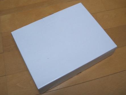 (白色簡易箱)この箱にお入れします。